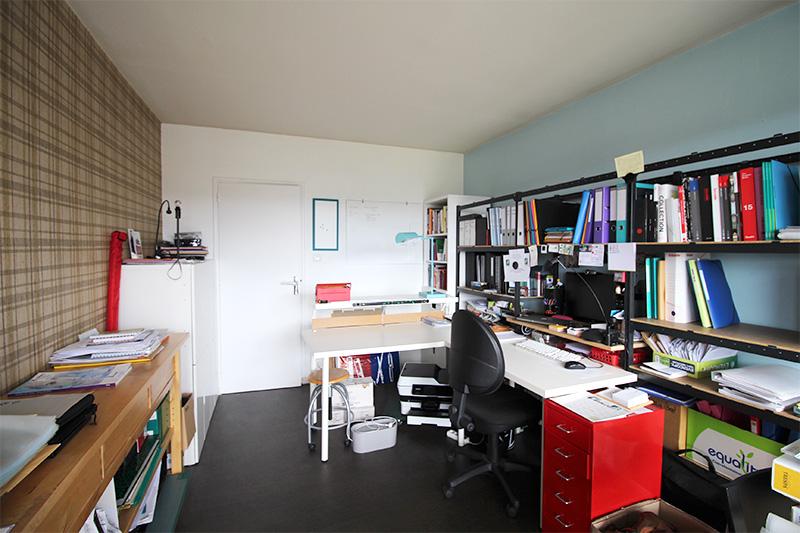 Agence PRALIM - Formation decorateur interieur avec fauteuil a oreille design